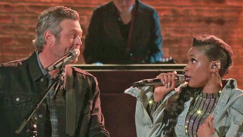 Blake Shelton & Jennifer Hudson Team Up For One Of The Cutest 'Voice' Duets You'll Ever See | Country Music Videos