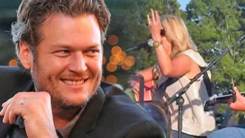 """Miranda Lambert Flashes Naked Ring Finger At Blake Shelton During """"Nobody But Me"""" Performance (VIDEO)   Country Music Videos"""