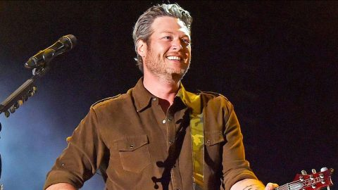 The Votes Are In! Blake Shelton Takes Home 'People's Choice' Award   Country Music Videos