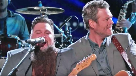 Sundance Head Teams Up With Blake Shelton For Rockin' Duet Of His Father's Hit Song | Country Music Videos
