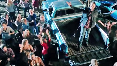 Blake Shelton Sparks Epic Line Dance With 'Footloose' | Country Music Videos
