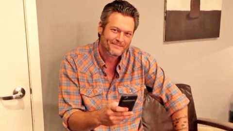 Blake Shelton Proves He Is Sexiest Man Alive With His Sense Of Humor   Country Music Videos