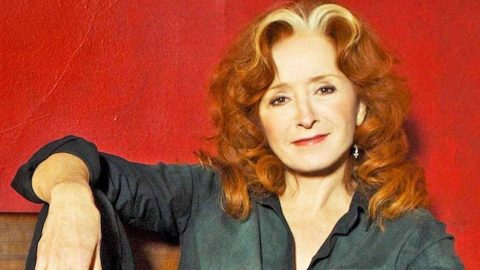 Bonnie Raitt Reveals Which Presidential Candidate She Supports | Country Music Videos