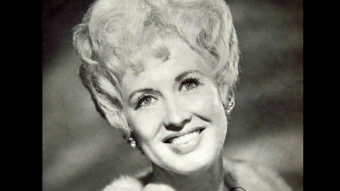 Country Music Icon And Trailblazer Dies At 91 | Country Music Videos