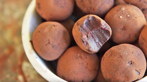 Forget Boxed Chocolates…These Whiskey Truffles Are What Your Valentine Really Wants   Country Music Videos