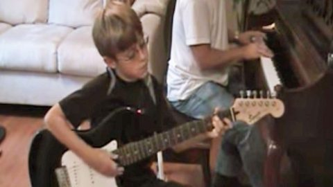Little Boy Gives 'Free Bird' An Epic Set Of Wings With Top-Notch Guitar Solo | Country Music Videos