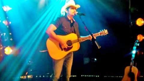 Brad Paisley – Crushin' it (LIVE) | Country Music Videos