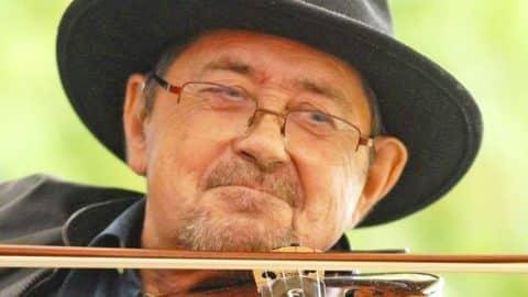 Legendary Folk Singer & Fiddler Dies At 75 | Country Music Videos