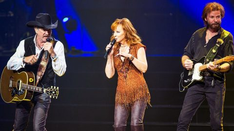 Reba McEntire Reveals Future Of Las Vegas Residency With Brooks & Dunn | Country Music Videos
