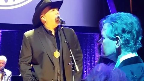 Garth Brooks Graces Randy Travis With Chilling Tribute Of 'Three Wooden Crosses' | Country Music Videos
