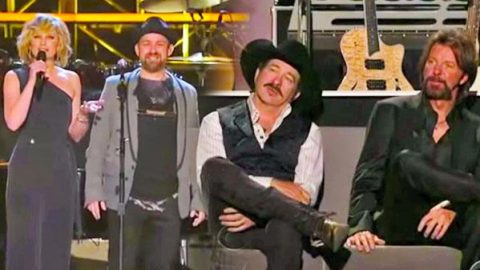 "Sugarland Covers Brooks and Dunn's ""Red Dirt Road"" (VIDEO) 