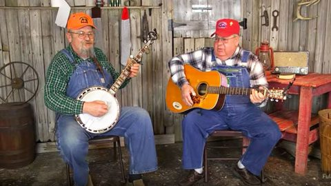 Rednecks Kick Off Valentine's Day With Hysterically Romantic Love Song | Country Music Videos