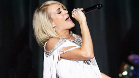 Carrie Underwood Shocks Everyone During ACM Performance, And You'll Never Guess How! | Country Music Videos