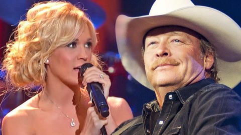 Carrie Underwood Sings Angelic Rendition Of Alan Jackson's 'Remember When' | Country Music Videos