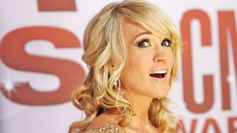Carrie Underwood Shares Photo Of New Short Hairstyle Country Rebel