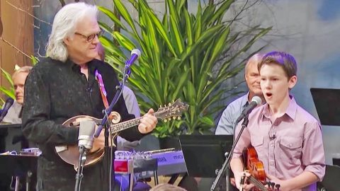 Fiddle Prodigy Carson Peters Joins Ricky Skaggs For Toe-Tappin' 'Blue Moon Of Kentucky' | Country Music Videos