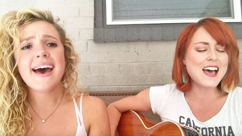 After Facing Off On 'The Voice,' Two Singers Reunite In Harmony With 'Delta Dawn' Cover | Country Music Videos