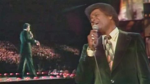 "Charley Pride Captivates Audience In Rare Live Performance Of ""It's Gonna Take A Little Bit Longer"" 