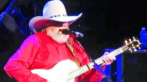 Charlie Daniels Delivers Soaring Rendition Of 'How Great Thou Art' At 80th Birthday Jam | Country Music Videos