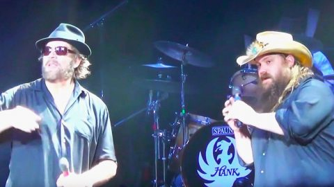 """Chris Stapleton & Hank Williams Jr. Join Forces For """"Family Tradition"""" At 2016 Concert 