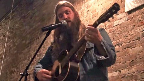 Put Everything On Hold & Listen To Chris Stapleton Sing The #1 Hit He Wrote For Kenny Chesney | Country Music Videos