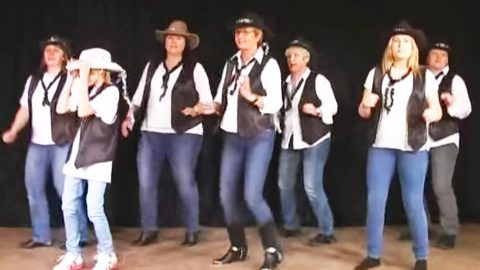 This 'Rockin' Christmas' Line Dance Will Make You The Star Of Your Holiday Party | Country Music Videos