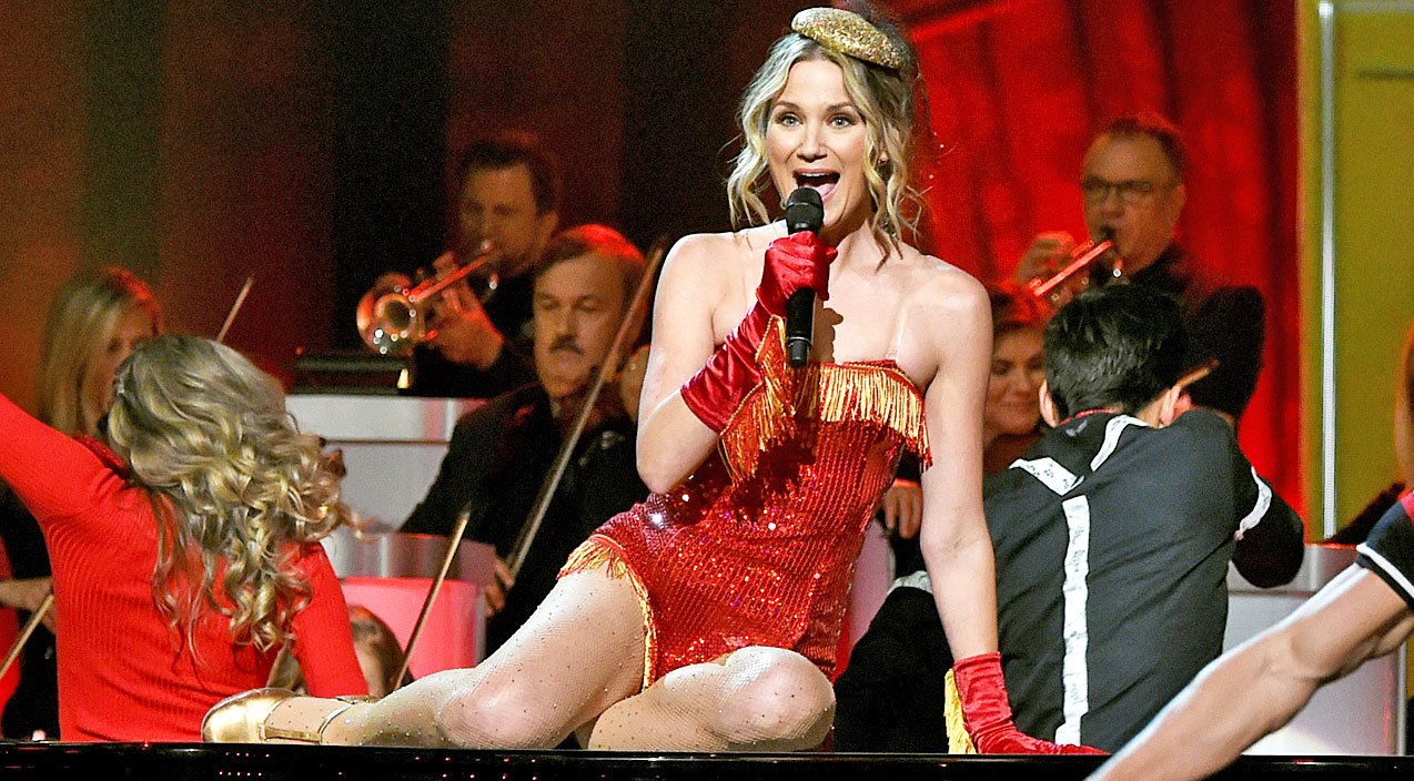 Jennifer Nettles Is No Longer The Host Of \'CMA Country Christmas ...