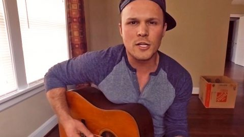 Handsome Country Boy Moves Viewers To Tears With Jamey Johnson's 'In Color' | Country Music Videos
