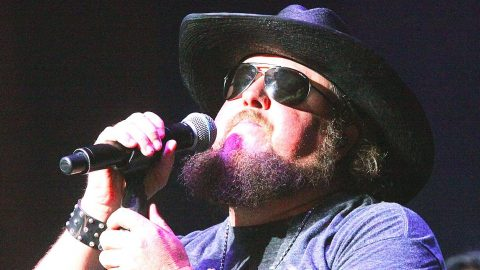 Colt Ford Fights Tears While Sharing Memory Of Young, Cancer-Stricken Fan | Country Music Videos