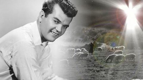 Conway Twitty – Silent Night (WATCH)   Country Music Videos