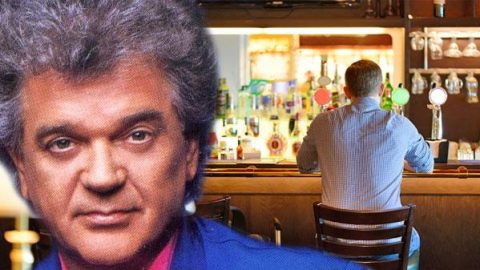 Conway Twitty – There Stands The Glass | Country Music Videos