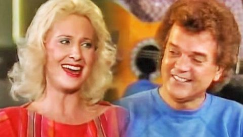 Conway Twitty – Medley Sing-along (feat. Tammy Wynette) (WATCH) | Country Music Videos