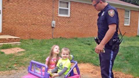 You Won't Believe What These Kids Say When Their Policeman Father Pulls Them Over! (WATCH) | Country Music Videos