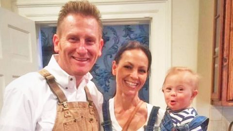 Joey + Rory Share Photo Of Little Indy Showing Off Her Country Roots | Country Music Videos