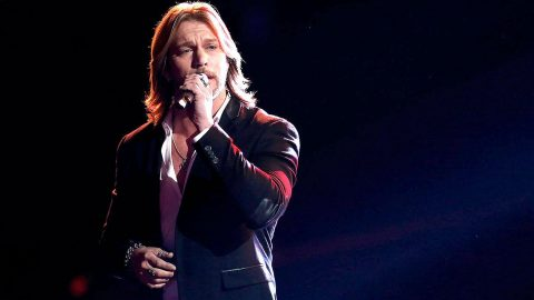 Craig Wayne Boyd Stuns with George Strait's 'You Look So Good In Love' | Country Music Videos