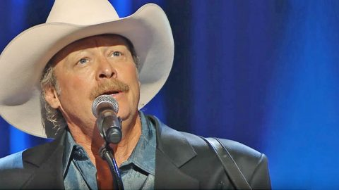 Alan Jackson Breaks Hearts With Haunting 'He Stopped Loving Her Today' At George Jones' Funeral | Country Music Videos