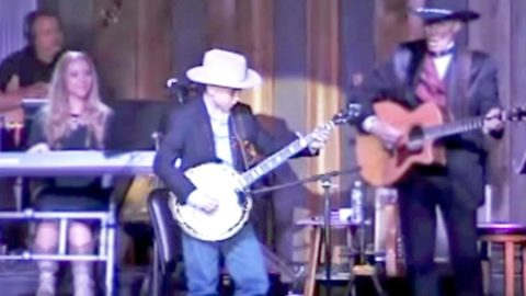 10-Year-Old Boy Will Blow Your Mind With Flawless 'Foggy Mountain Breakdown' Performance   Country Music Videos