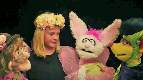 Darci Lynne & Her Puppet Pals Trick-Or-Treat At Jeff Dunham's House In Hysterical Skit | Country Music Videos