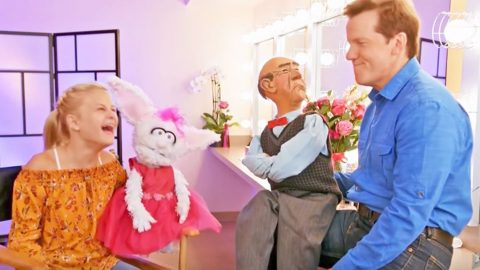Jeff Dunham & Darci Lynne's Puppets Exchange Hilarious Banter Backstage | Country Music Videos