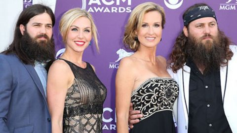 Duck Dynasty Family Reveals A Huge Secret | Country Music Videos