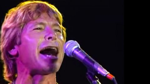 John Denver Rocks Iconic Event With 'Thank God I'm A Country Boy'   Country Music Videos
