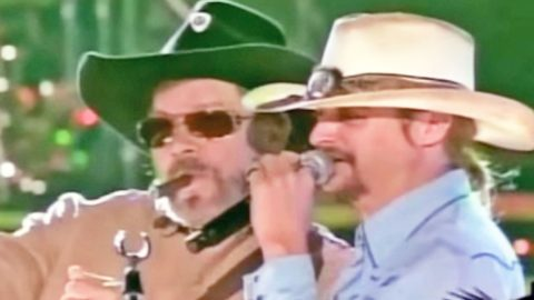 Kid Rock Joins Hank Williams Jr. For Explosive 'Dixie On My Mind' Performance | Country Music Videos