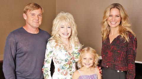 Dolly Parton Announces New Show About Her Family   Country Music Videos