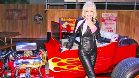 Dolly Parton Introduces Thrilling New Ride To Dollywood This Spring | Country Music Videos