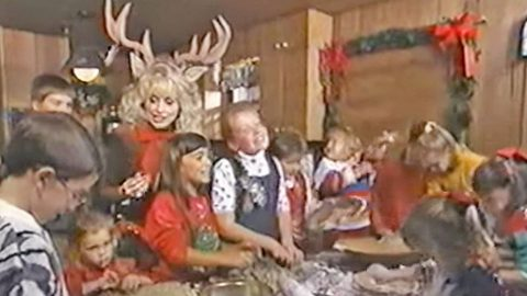 Dolly Parton Sings 'Rudolph The Red-Nosed Reindeer' With Her Nieces and Nephews   Country Music Videos
