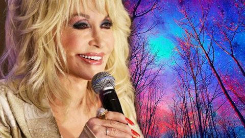 Dolly Parton – God's Coloring Book (LIVE) (VIDEO) | Country Music Videos