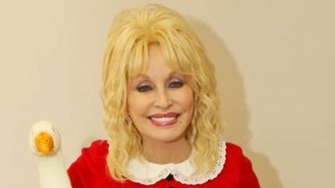 Dolly Parton Dresses Up As 'Willy Wonka' Character For Halloween | Country Music Videos