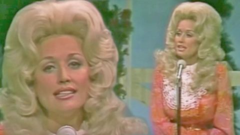 For The First Time Ever, Dolly Parton Performs The Hauntingly Beautiful Song 'Jolene' | Country Music Videos