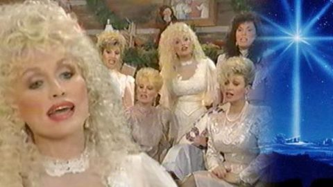 "Dolly Parton Sings ""O Little Town Of Bethlehem"" With Sisters (VIDEO) 