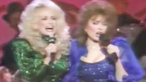 Dolly Parton & Loretta Lynn Team Up For Medley Of Loretta's Greatest Hits | Country Music Videos